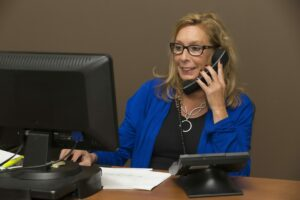 Difference between a Secretary and an Administrative Assistant